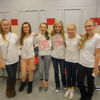 6th graders wearing white to support our Veterans
