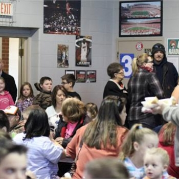 Hundreds turned out to enjoy Grigsby's Thanksgiving feast
